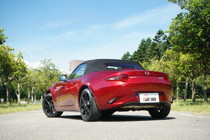 MX-5僅130萬出頭的售價便能入手,以現在的車價而言是CP質相當高的選項