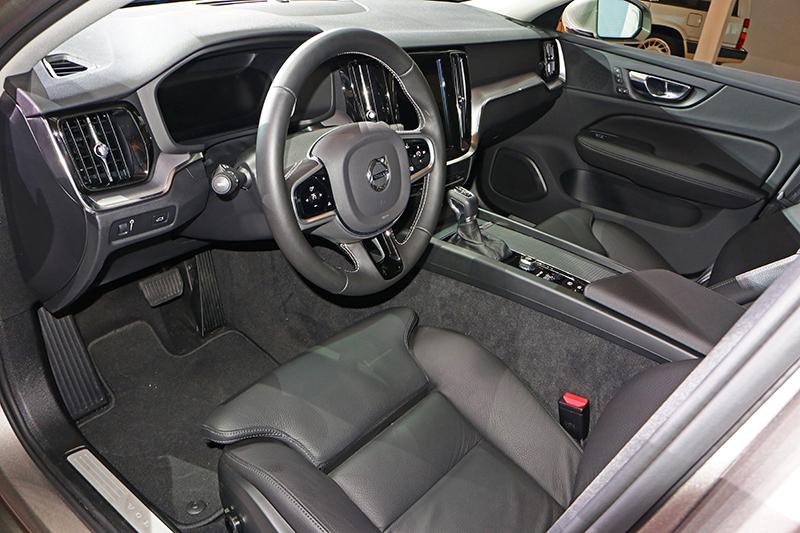 座艙一派Volvo調調,舒適與豪華理當更上一層樓。