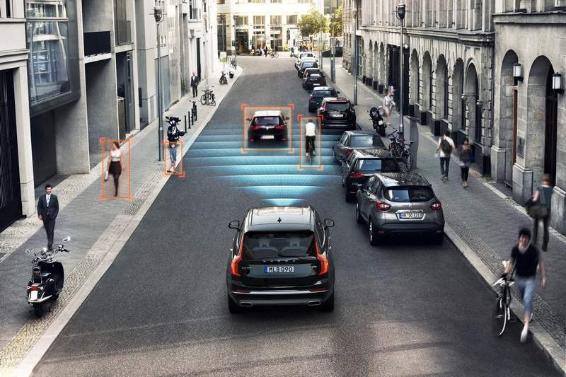 以Volvo品牌策略來看,旗艦休旅安全科技一定會更加先進,且動力也會是電能系統。