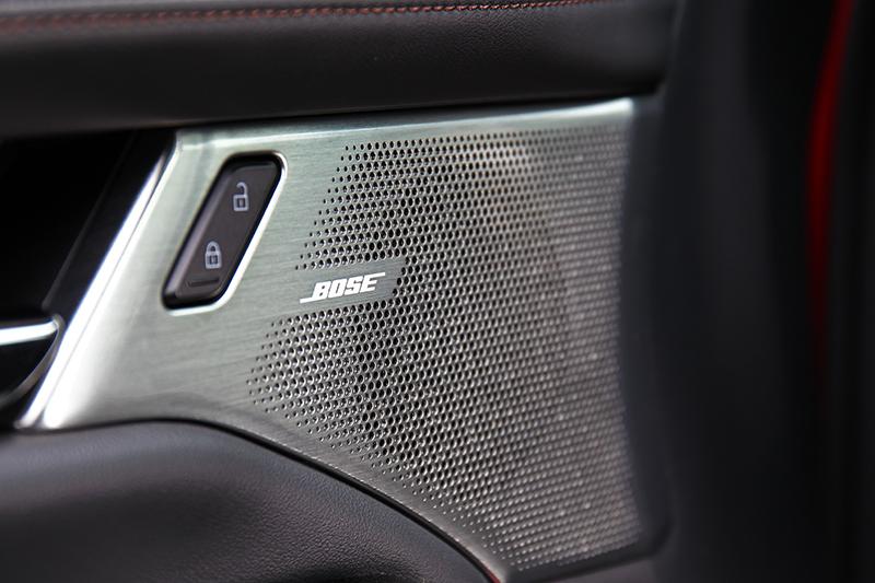 旗艦款有頂級的BOSE音響加持,擁有同級中最佳的音場配置效果