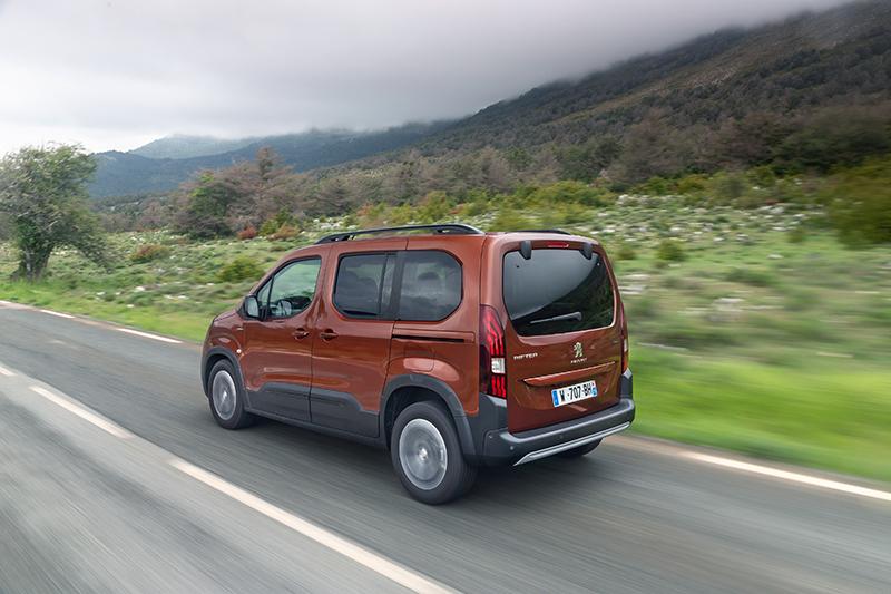 以4.4米車長的標準來看,Rifter的空間可利用性完勝市售所有SUV,不失為追求大空間休旅車買家的另類優選。