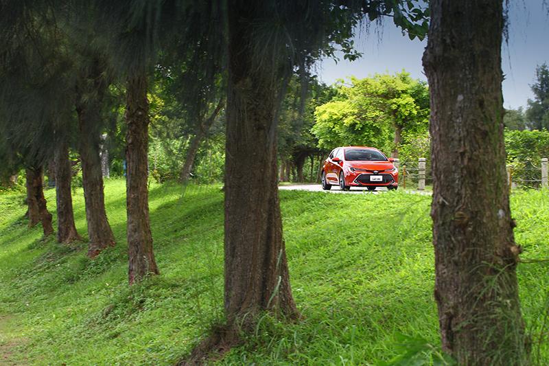 Auris加速調性與Mazda 3較為相似。