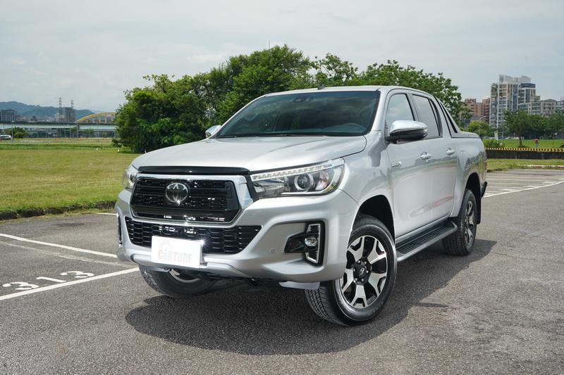法規鬆綁兩年後,Toyota宣布在7月底引進Hilux雙廂皮卡