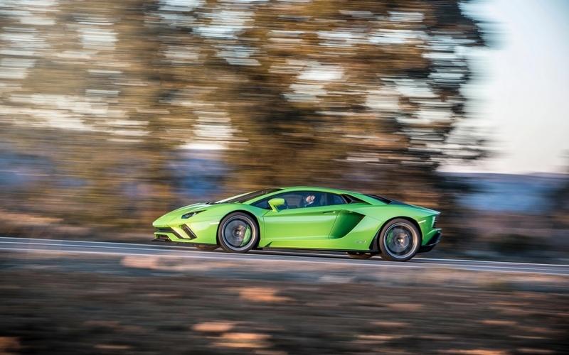 Lamborghini有可能會展出Aventador油電版本。