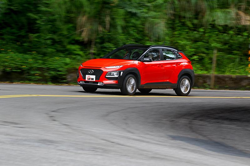 因為前驅配置而讓車重得以減輕,因此加速表現反而比四驅車型來得更好。