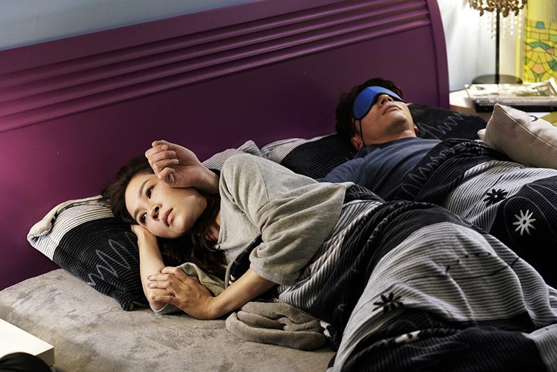 陳嘉玲(謝盈萱飾)與江顯榮(溫昇豪飾)兩人感情開始出現了問題