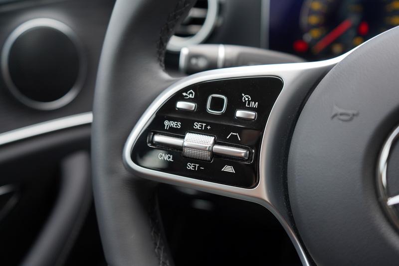 新年式車型重點在於導入23P智慧駕駛輔助系統及Mercedes Me Connect互聯科技