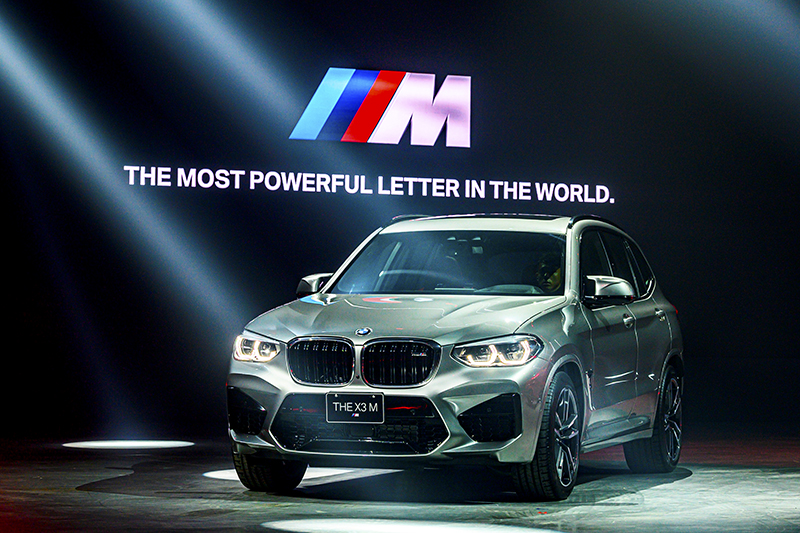 X3 M與X4 M Competition透過M款套件,將休旅車營造出如跑車充滿力量的氣勢。