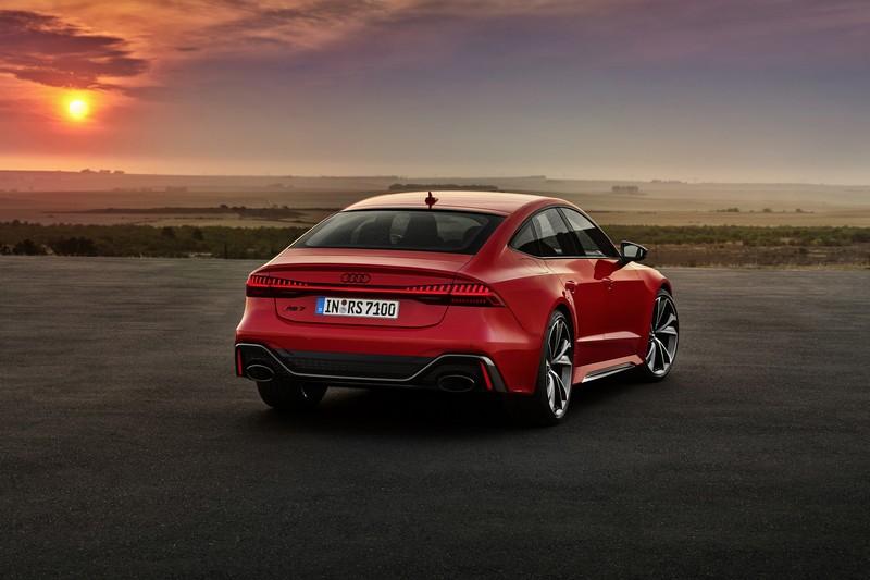 斜背造型與銳利鮮明的車身線條,是RS 7 Sportback最完美的設計比例。
