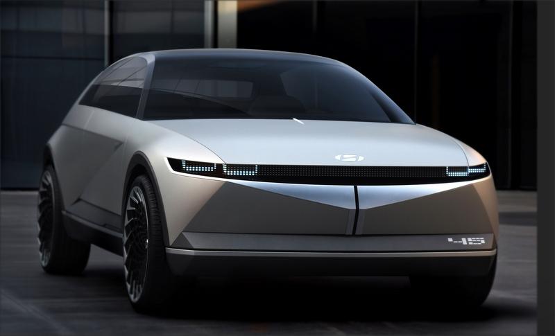 之所以命名45 EV Concept,是因該車線條為45度切線。