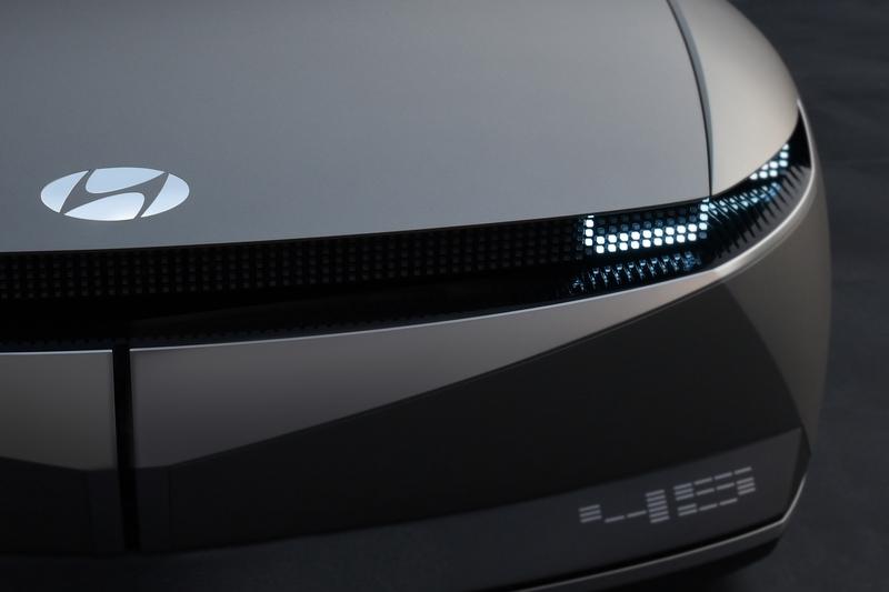 動態頭燈能提供更為優異的照明辨識效果。