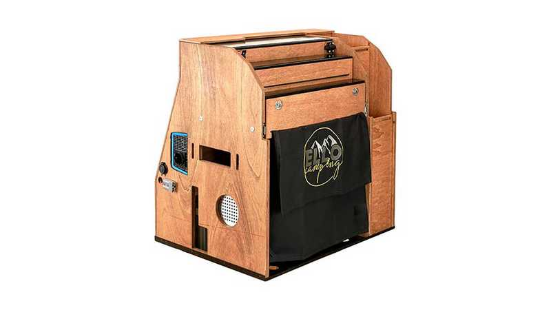 ElloBox行動廚房70×67×49cm的體積能輕鬆放進行李箱。