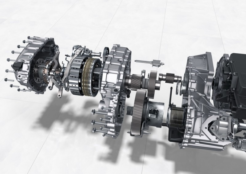 後軸採用了一組二速變速箱,較不易產生馬達高速動力趨緩的問題