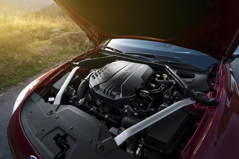 3.3升V6渦輪引擎370hp/52kgm性能帶來高度駕駛樂趣。