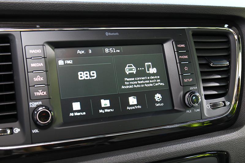 豪華車型中控為7吋多媒體影音觸控系統。
