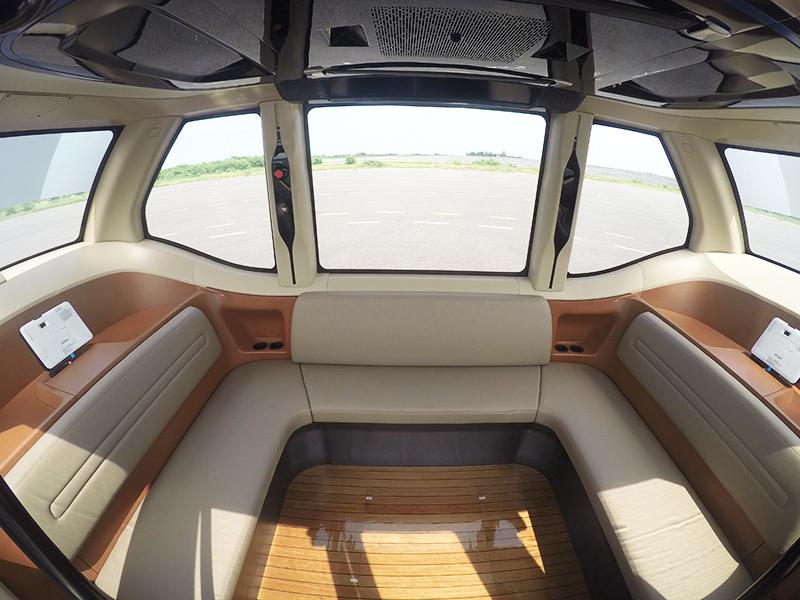 WinBus車艙可容納15人。