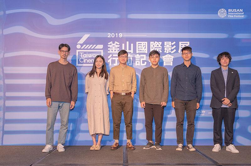 左起:《漣漪》演員嚴博瀚、演員單允家、導演許瑞洋、攝影鄧偉毅、製片溫蓮忻;《幽魂之境》導演羅晨文