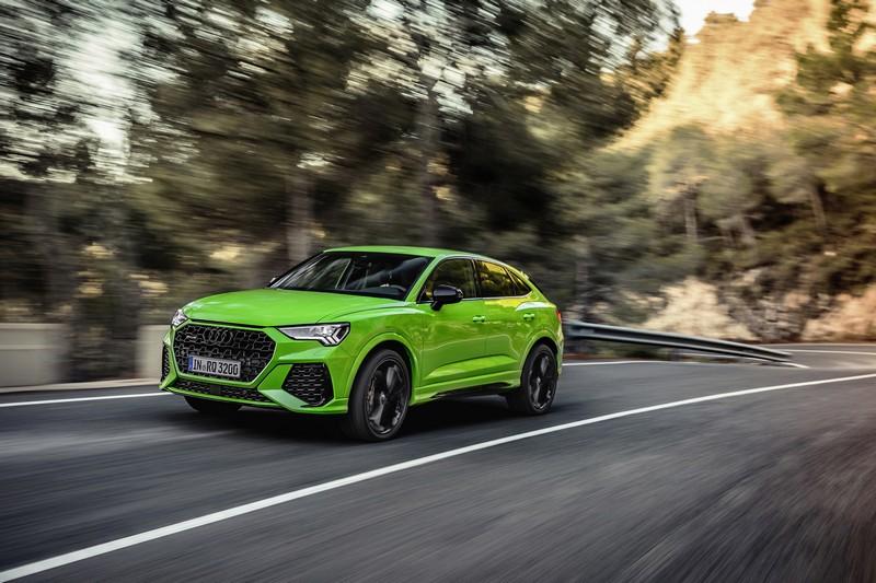 RS Q3與RS Q3 Sportback搭載2.5升五缸渦輪引擎,動力提升17%後來到400hp/48.9kgm。