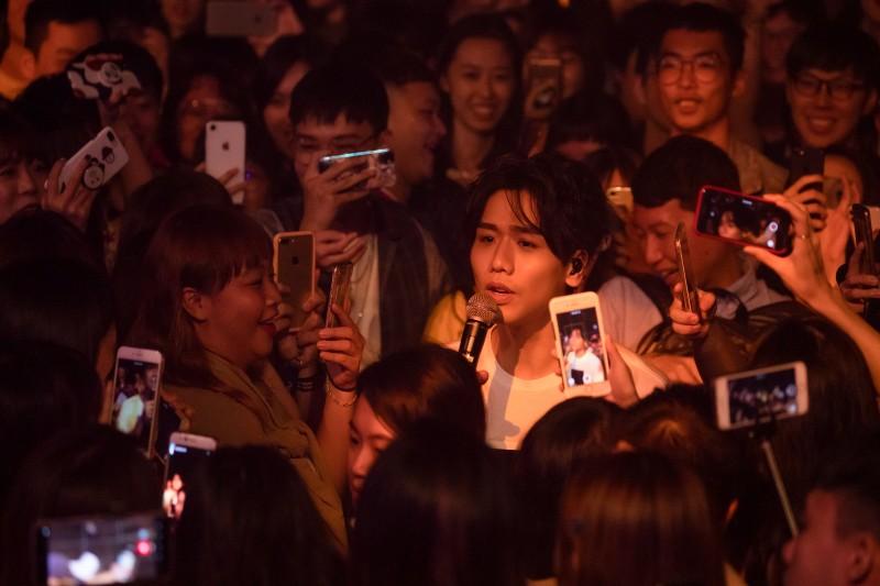 蔡旻佑再登台北華山Legacy開唱