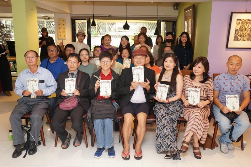 陳慕義出席新書《台灣胡撇仔戲─陳慕義劇本三種》分享會/飛頁文創提供