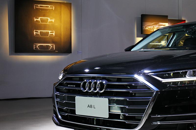 不僅對手Audi水箱護罩也隨著世代更新逐漸放大。