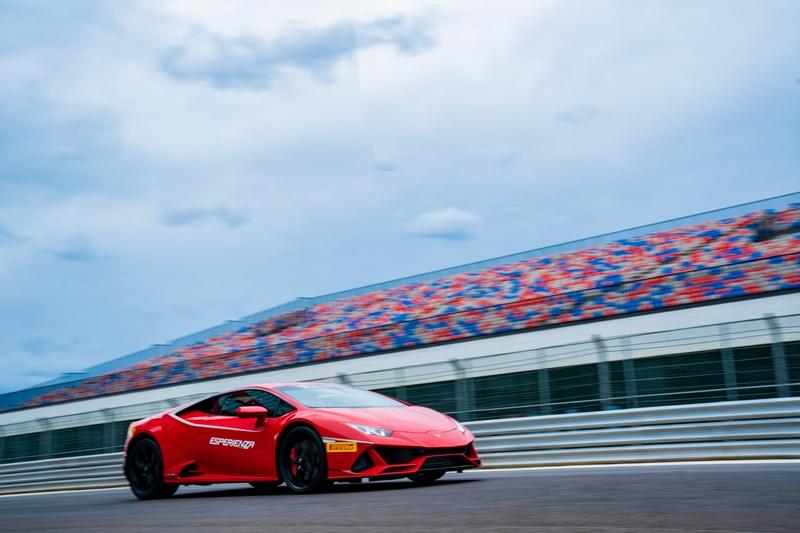 全新LDVI(Lamborghini DinamicaVeicoloIntegrata)車身動態整合系統所管理,可即時控制車輛的各項動態表現。