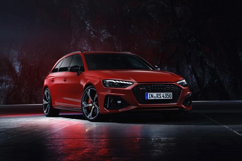 小改RS 4 Avant外觀變得更加動感。