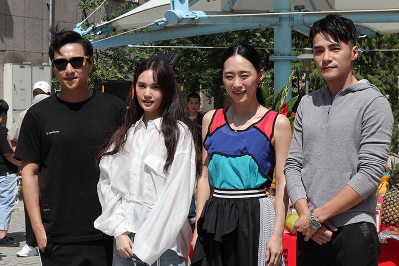 (左起)鄭人碩、楊丞琳、吳可熙、是元介