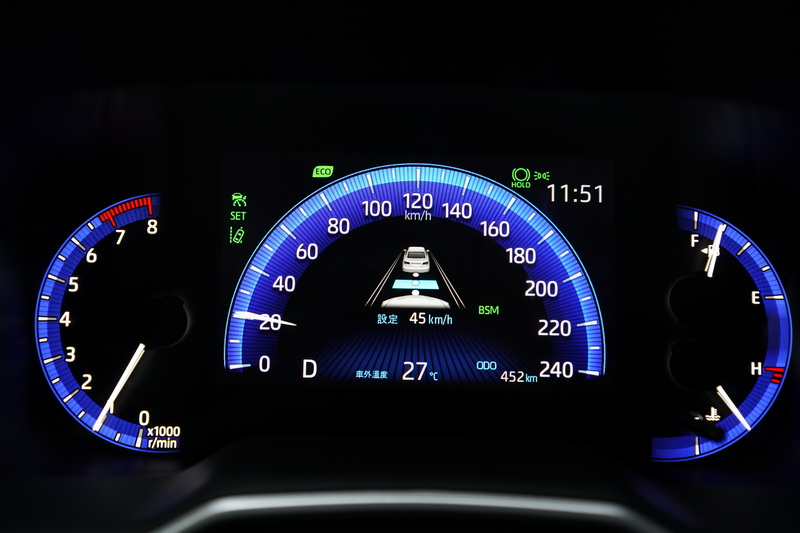 在無法辨識標線的狀態下還能依前車的行進路線軌跡進行跟車