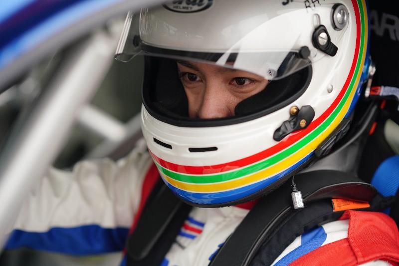曹佑寧在電影《叱咤風雲》中飾演男主角賽車模擬器冠軍杜傑克