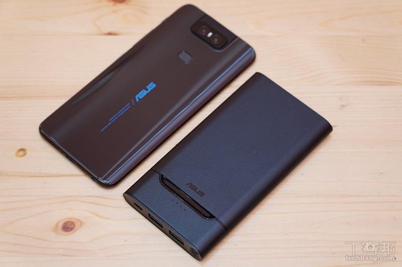 ASUS ZenPower 10000 QC3.0 體積不大,比 ZenFone 6 再小一點點,重量也僅 185 克。