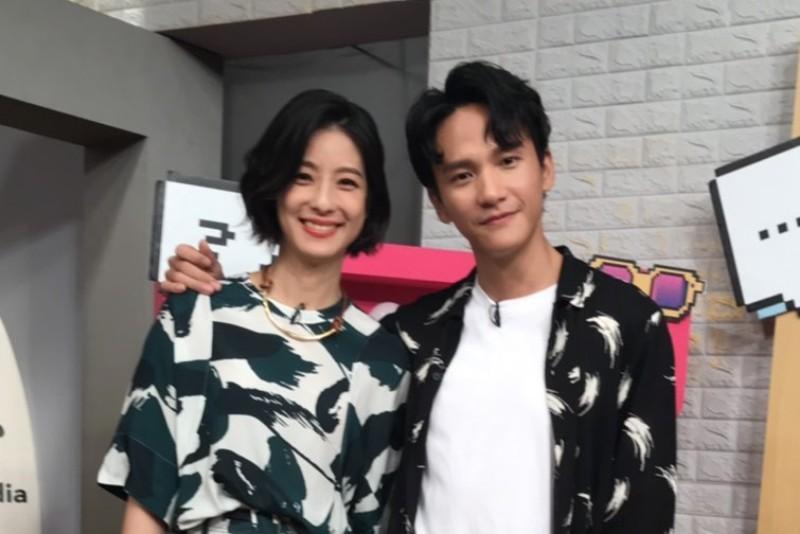 (左起)賴雅妍、曹晏豪