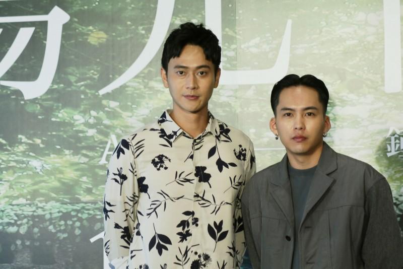 巫建和(右)、劉冠廷(左)颱風夜騎6小時