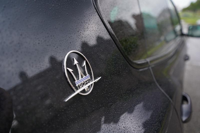 C柱的品牌徽飾上增添有Trofeo字樣