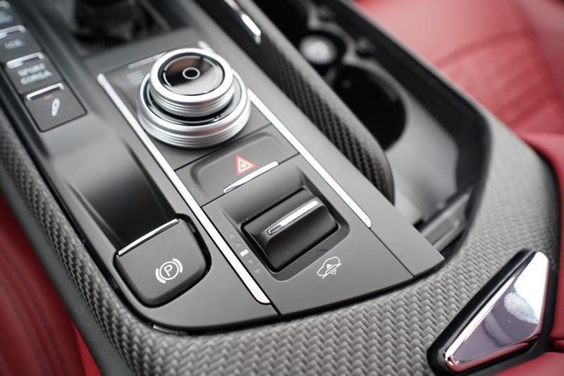 駕駛亦可手動調整適合的車身高度