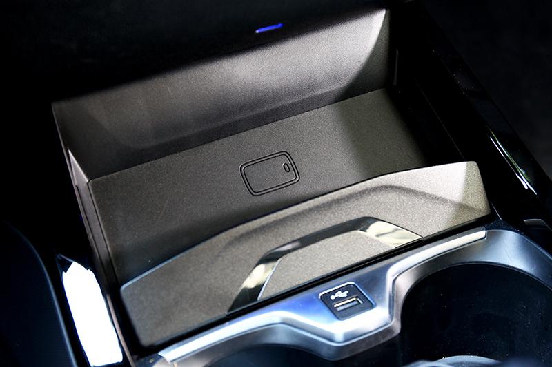 無線充電為選配,但首發限量30輛可免費升級該配備及電子懸吊。