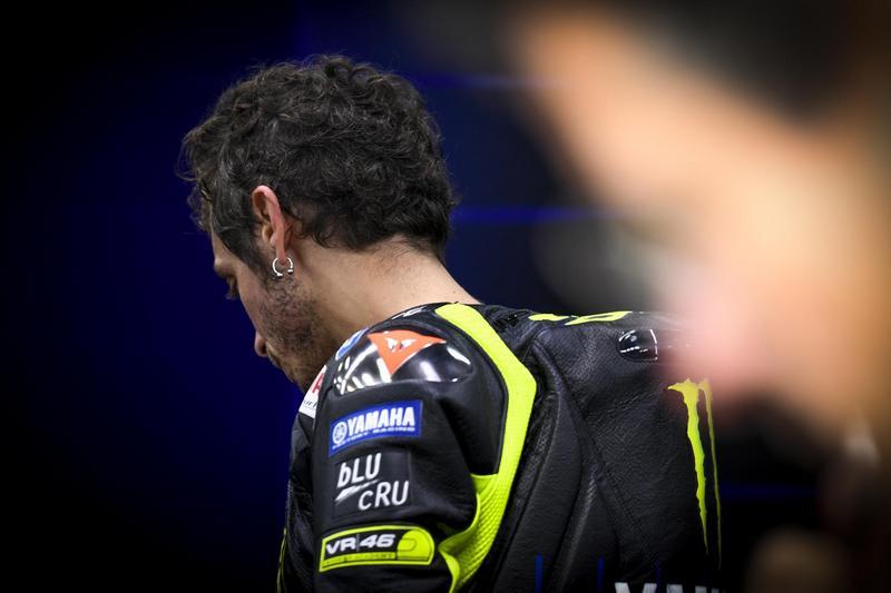 Rossi一直在中後段掙扎,最後還發生轉倒退賽。