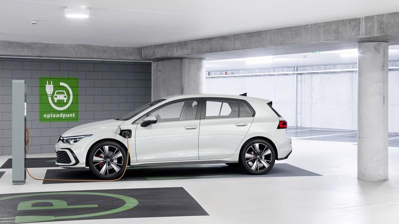 GTE插電式車型也提供204hp與245hp兩種動力。