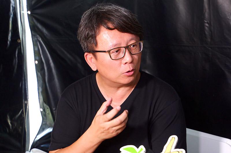 導演楊力州分享說,從南極回來後,還是習慣用尿壺上廁所才有安全感。