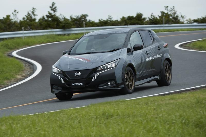 高性能車型擁有304hp/69.3kgm動力表現。