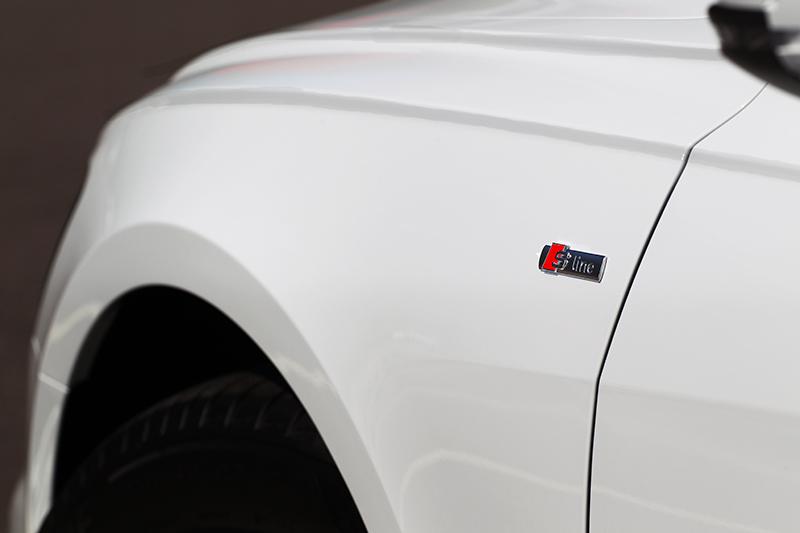 試駕車型有選配S-Line套件,原價17萬上市價優惠只要5萬元。