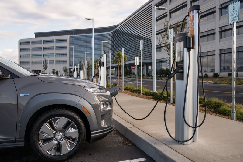 針對環保綠能Hyundai都有持續在開發電動車。