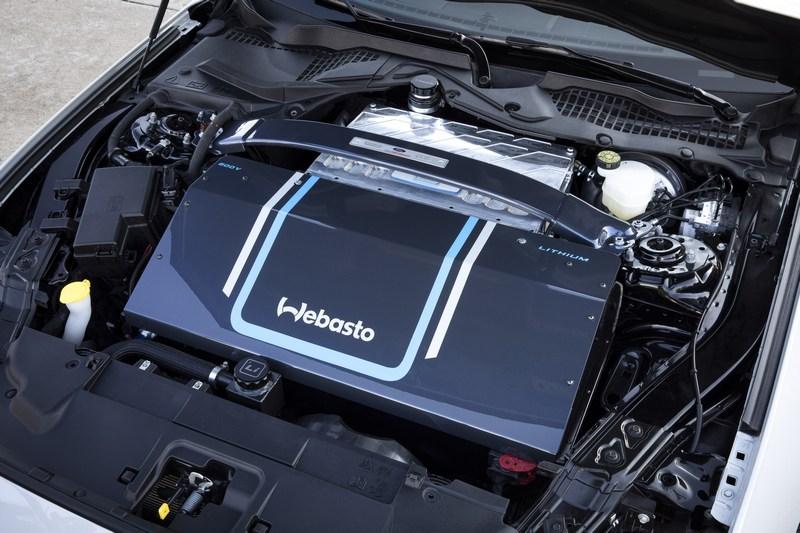 搭載800V電動馬達,使其動力擁有900hp/138kgm表現。