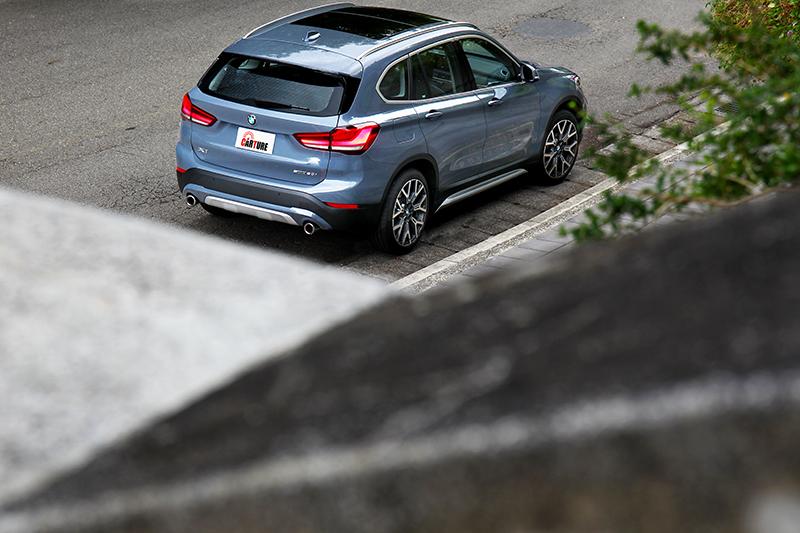 選配的X-Line套件擁有前後下護板、下氣壩飾條、車側飾條、緞面鋁質水箱護罩等。