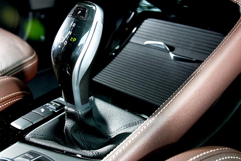 七速自手排變速系統讓加速與能量供給明快直接。