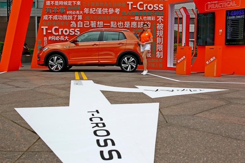 T-Cross 搭載1.0升直列三缸TSI汽油渦輪增壓引擎,擁有115hp/20.4kgm。
