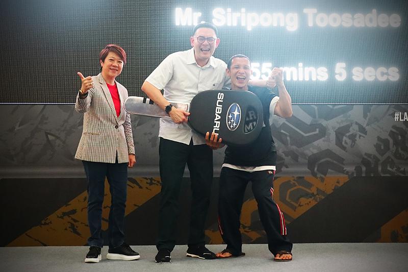 據說為泰國特種部隊退役的冠軍Siripond Toosadee,興奮的從意美總裁陳俊鴻手中接過車鑰匙,而這場長達四天的激烈競逐也就此正式落幕!