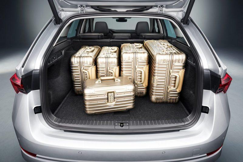 行李廂有600公升(Sedan)與640公升(Combi)表現。
