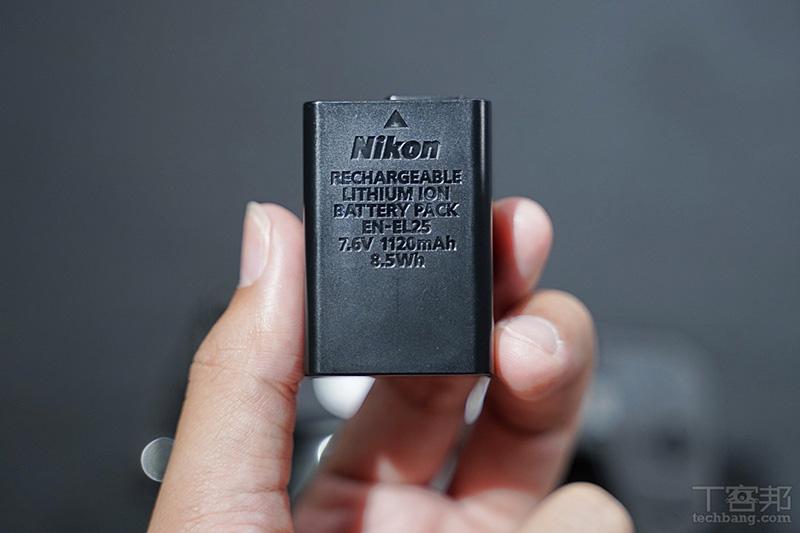 電池型號 EN-EL25,7.6V、1120mAh。