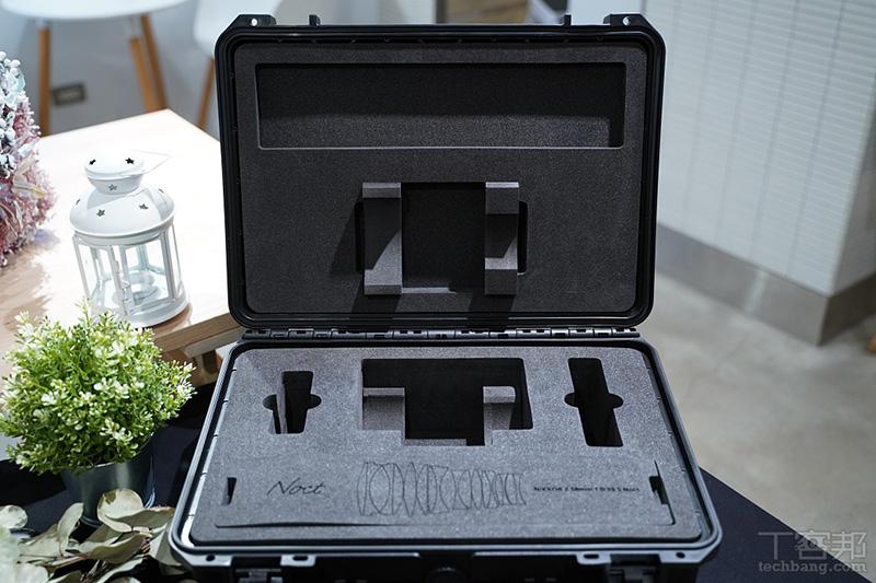 售價將近 27 萬台幣,採預定生產方式發售,原廠也會附贈這樣一個尊爵不凡的收藏箱。